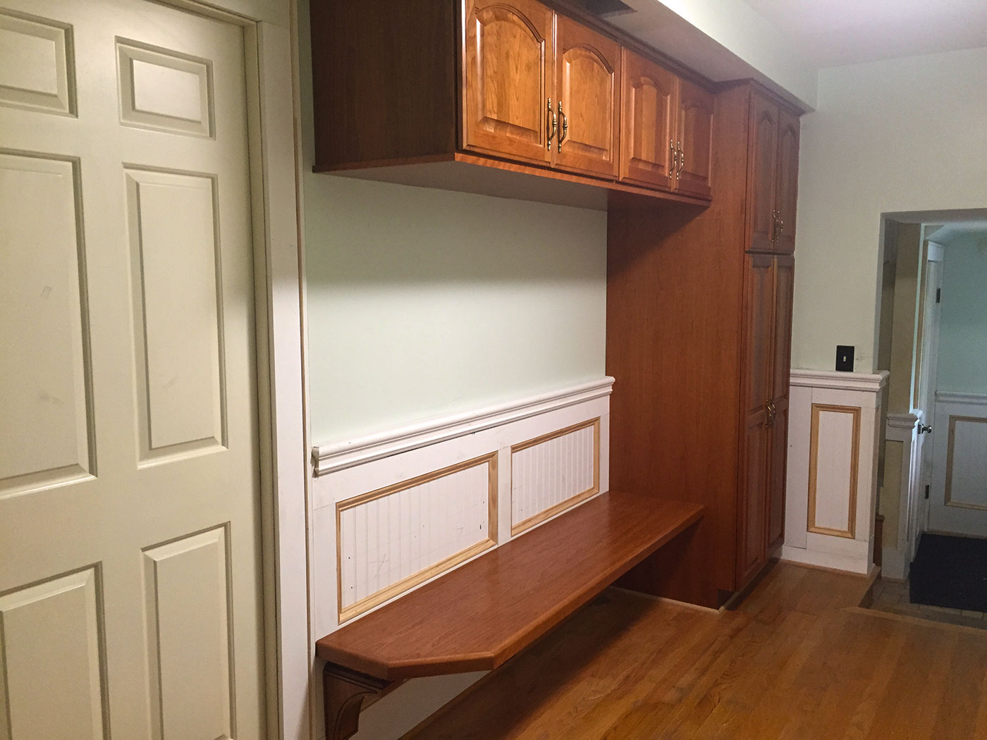 Custom Foyer Bench - Craftworks Custom Cabinetry - Rochester, NY