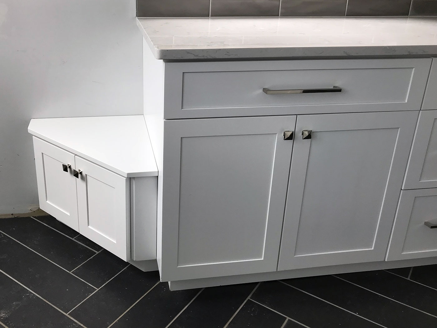 Custom Kitchen Cabinets White - Craftworks Custom Cabinetry - Rochester, NY