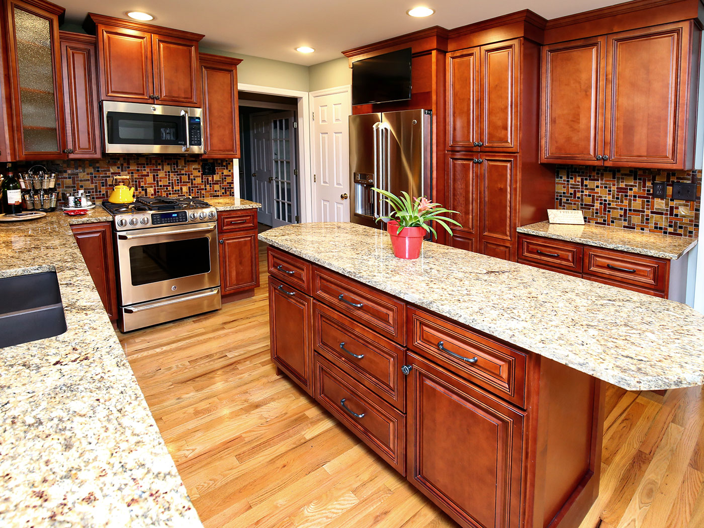 Standard Kitchen Cabinets Mocha - Craftworks Custom Cabinetry - Rochester, NY